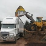 Loading-the-Trailer-with-wood-chips-bulk-delivery-wood-chips